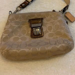 Coach crossbody purse 👜